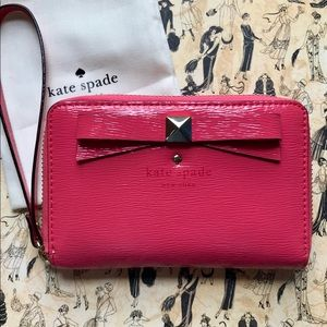Kate Spade ♠️ Pink Beacon Court Patent Wristlet
